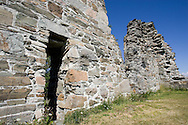 Tautra Abbey (Tautra Mariakloster) is a Trappist (Reformed Cistercian) nunnery on the island of Tautra on the Trondheimfjord in Trøndelag, central Norway..A Cistercian monastery was founded here, Tautra or Tuterø Abbey, in 1207, by monks from Lyse Abbey near Bergen. The site was an attractive one, and the earlier foundation of Munkeby Abbey seems to have been transferred here shortly after the foundation. The abbey grew wealthy and powerful, and its abbots often played a major part in Norwegian politics. Tautra Abbey was dissolved during the Reformation in 1537, its lands passing to the Crown, but the sizeable ruins of the church are still to be seen...Tautra kloster, eller Monasterium sanctæ Mariæ de Tuta insula i gammel tid, er ruinene av et kloster på øya Tautra i Trondheimsfjorden. Tautra er en del av Frosta kommune. Man vet lite om selve klosterbygningene, men iflg. islandske årbøker brant de i 1251. Klosterruinene ble i 1846 gitt som gave til Fortidsminneforeningen. I dag er ruinene forholdsvis godt bevarte, og er et yndet turistmål for turister fra hele verden.