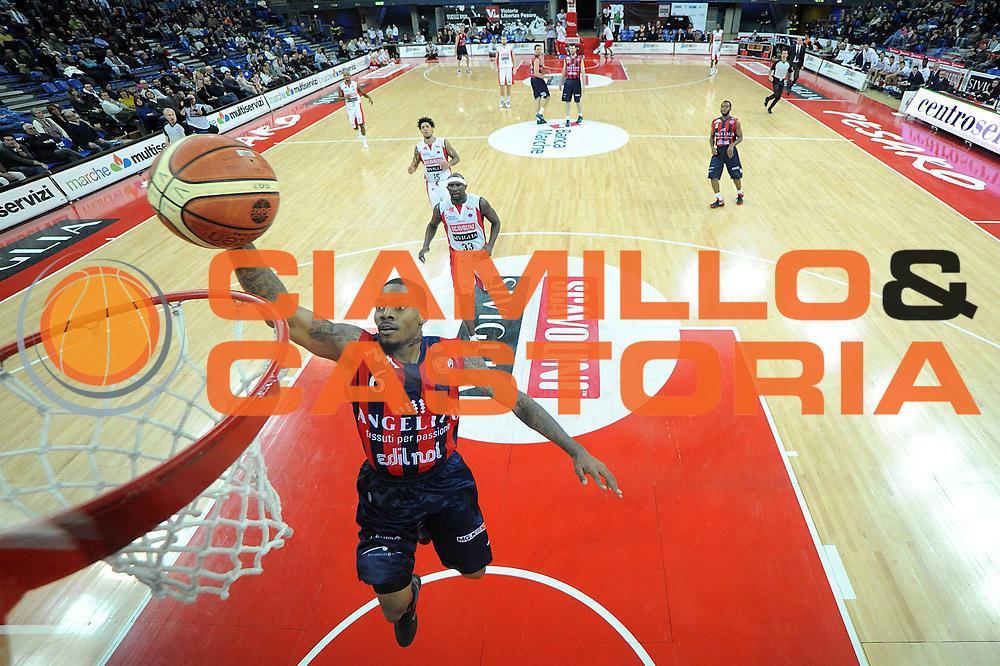 DESCRIZIONE : Pesaro Lega A 2011-12 Scavolini Siviglia Pesaro Angelico Biella<br /> GIOCATORE : Aubrey Coleman<br /> CATEGORIA : special tiro<br /> SQUADRA : Angelico Biella<br /> EVENTO : Campionato Lega A 2011-2012<br /> GARA : Scavolini Siviglia Pesaro Angelico Biella<br /> DATA : 21/01/2012<br /> SPORT : Pallacanestro<br /> AUTORE : Agenzia Ciamillo-Castoria/C.De Massis<br /> Galleria : Lega Basket A 2011-2012<br /> Fotonotizia : Pesaro Lega A 2011-12 Scavolini Siviglia Pesaro Angelico Biella<br /> Predefinita :