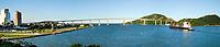 Brasil - Espirito Santo - Vitoria - Navio passando pela 3 ponte - Panor&acirc;mica Vitoria a Vila Velha<br /> Foto: Gabriel Lordello /Mosaico Imagem