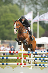 Naeve, Volkert, Leopold<br /> Elmshorn - Holsteiner Pferdetage<br /> Spezialspringpferdeprüfung Kl. M Finale 6j.<br /> © www.sportfotos-lafrentz.de/ Stefan Lafrentz
