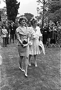 Baroness Tita Thyssen-Bornemisza and Baroness Francesca thyssen. Party to launch Faberge exhibition at Baron Thyssen's Villa Favorita, Lugano. 20 April 1987. © Copyright Photograph by Dafydd Jones 66 Stockwell Park Rd. London SW9 0DA Tel 020 7733 0108 www.dafjones.com