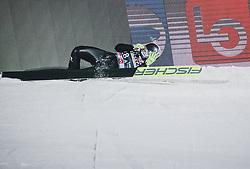 09.03.2020, Lysgards Schanze, Lillehammer, NOR, FIS Weltcup Skisprung, Raw Air, Lillehammer, Damen, im Bild Sturz von Nika Kriznar (SLO) // Crash of Nika Kriznar of Slovenia during women's 2nd Stage of the Raw Air Series of FIS Ski Jumping World Cup at the Lysgards Schanze in Lillehammer, Norway on 2020/03/09. EXPA Pictures © 2020, PhotoCredit: EXPA/ Tadeusz Mieczynski