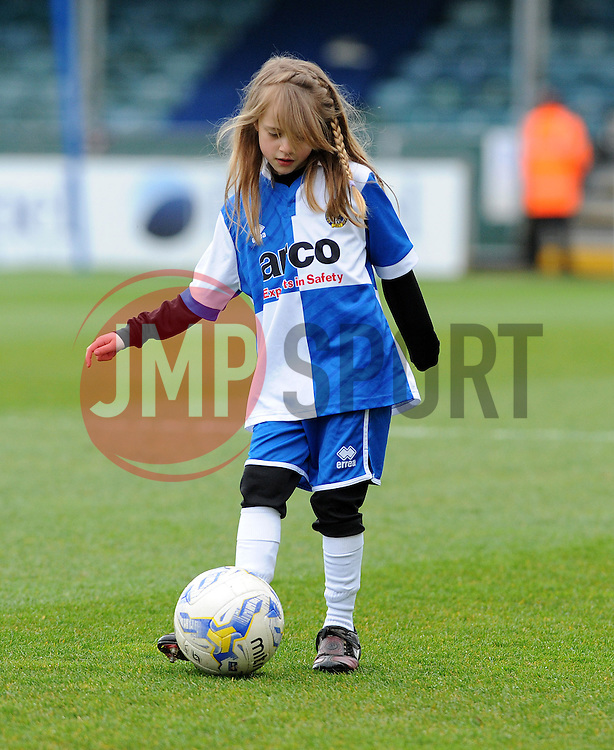 - Photo mandatory by-line: Neil Brookman/JMP - Mobile: 07966 386802 - 03/04/2015 - SPORT - Football - Bristol - Memorial Stadium - Bristol Rovers v Chester - Vanarama Football Conference
