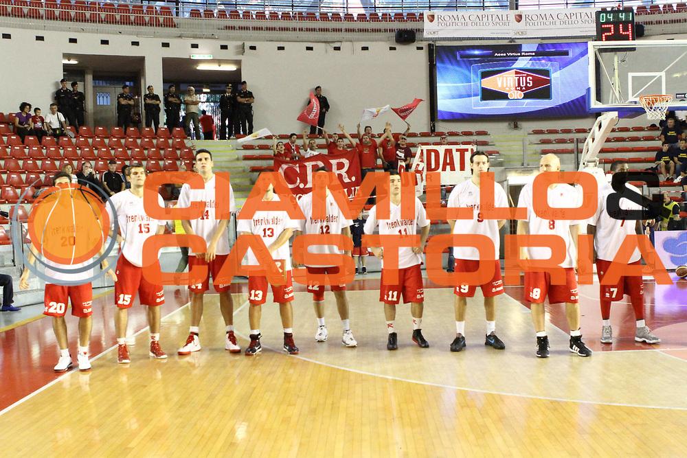DESCRIZIONE : Roma Lega A 2012-13 Virtus Roma Trenkwalder Reggio Emilia<br /> GIOCATORE :  team <br /> CATEGORIA : curiosita fair play pre game<br /> SQUADRA : Trenkwalder Reggio Emilia<br /> EVENTO : Campionato Lega A 2012-2013 <br /> GARA : Virtus Roma Trenkwalder Reggio Emilia<br /> DATA : 14/10/2012<br /> SPORT : Pallacanestro <br /> AUTORE : Agenzia Ciamillo-Castoria/M.Simoni<br /> Galleria : Lega Basket A 2012-2013  <br /> Fotonotizia : Roma Lega A 2012-13 Virtus Roma Trenkwalder Reggio Emilia<br /> Predefinita :
