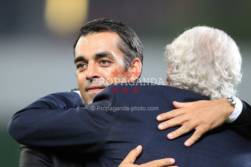 28.09.2011, BayArena, Leverkusen, GER, UEFA CL, Gruppe E, Bayer 04 Leverkusen (GER) vs KRC Genk (BEL), im Bild.Robin Dutt (Trainer Leverkusen) (L) und Sportdirektor Voeller (R)..// during the UEFA CL, group E, Bayer Leverkusen vs KRC Genk  on 2011/09/28, at BayArena, Leverkusen, Germany. EXPA Pictures © 2011, PhotoCredit: EXPA/ nph/  Mueller *** Local Caption ***       ****** out of GER / CRO  / BEL ******