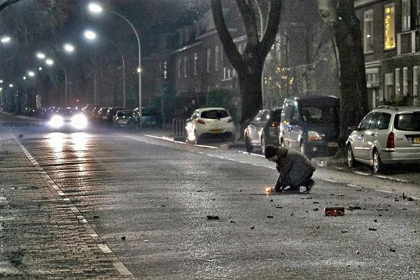 Nederland, Nijmegen, 1-1-2018 Nieuwjaar met afsteken van vuurwerk in de stad. Foto: Flip Franssen