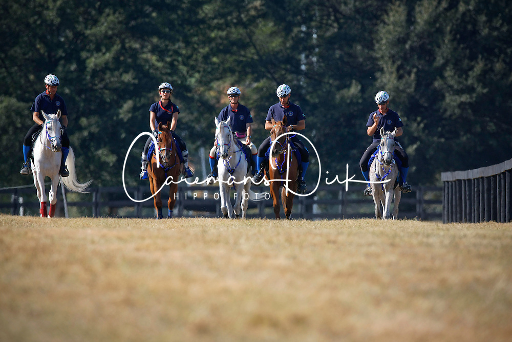 Endurance team Italia : <br /> Iacchelli Andrea (ITA) - Djamina<br /> Vaccarecci Antonio (ITA) - Eldor<br /> Laliscia Gianluca (ITA) - Leila de Saularie<br /> Lui Martina (ITA) - Jo Farouza<br /> Vaccarecci Antonio (ITA) - Eldor<br /> Alltech FEI World Equestrian Games <br /> Lexington - Kentucky 2010<br /> &copy; Hippo Foto - Dirk Caremans