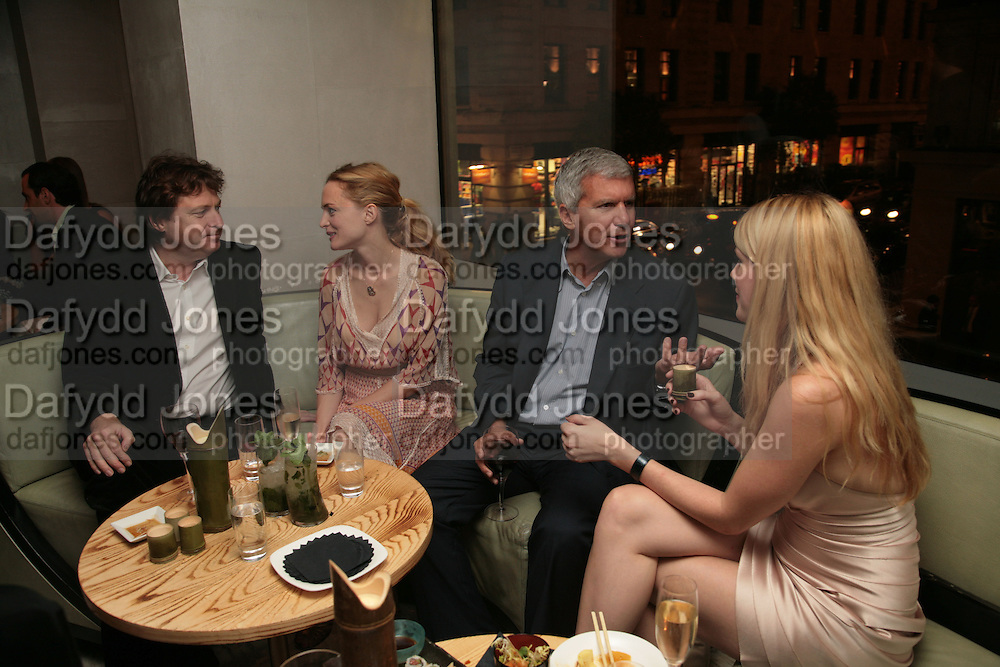DANNY MOYNIHAN, HEATHER GRAHAM, LARRY GAGOSIAN AND MEREDITH OSTRON, Party hosted by Larry Gagosian at Nobu, Berkeley St. London. 9 October 2007. -DO NOT ARCHIVE-© Copyright Photograph by Dafydd Jones. 248 Clapham Rd. London SW9 0PZ. Tel 0207 820 0771. www.dafjones.com.