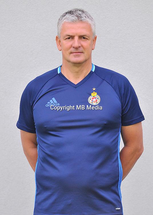 2016.08.03 Myslenice <br /> Pilka nozna Lotto Ekstraklasa sezon 2016/2017<br /> Sesja zdjeciowa Wisla Krakow <br /> N/z Dariusz Wdowczyk- trener head coach<br /> Foto Rafal Rusek / PressFocus<br /> <br /> 2016.08.03 Myslenice <br /> Football Polish Lotto Ekstraklasa season 2016/2017<br /> Sesja zdjeciowa Wisla Krakow <br /> Dariusz Wdowczyk- trener head coach<br /> Credit: Rafal Rusek / PressFocus