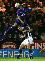 Fotball<br /> FA Cup England 2004/2005<br /> 3. runde<br /> 08.01.2005<br /> Foto: SBI/Digitalsport<br /> NORWAY ONLY<br /> <br /> Plymouth Argyle v Everton<br /> <br /> Everton's James Beattie headers the ball past Graham Coughlan