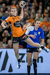 23-11-2017 NED: Nederland - Italie, Eindhoven<br /> Uitzwaaiduel Oranje in een volgepakt Topsportcentrum in Eindhoven tegen Italie wordt met ruime cijfers gewonnen 41-16 / Debbie Bont #7 of Netherlands