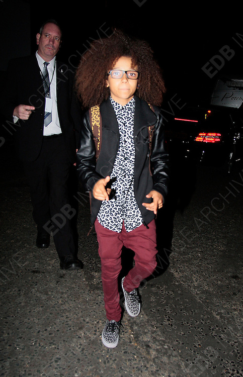 19.NOVEMBER.2012. LONDON<br /> <br /> PERRI KIELY LEAVING THE ROYAL ALBERT HALL AFTER PERFORMING AT THE ROYAL VARIETY.<br /> <br /> BYLINE: EDBIMAGEARCHIVE.CO.UK<br /> <br /> *THIS IMAGE IS STRICTLY FOR UK NEWSPAPERS AND MAGAZINES ONLY*<br /> *FOR WORLD WIDE SALES AND WEB USE PLEASE CONTACT EDBIMAGEARCHIVE - 0208 954 5968*