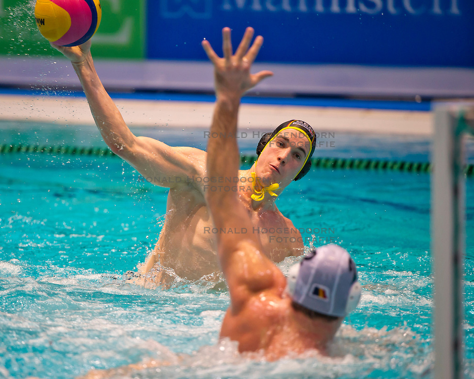23-01-2012 WATERPOLO: EC GERMANY - ROMANIA: EINDHOVEN<br /> European Championships Germany - Romania / Julian Real GER<br /> (c)2012-FotoHoogendoorn.nl / Peter Schalk