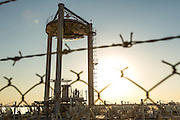 ABU DHABI, EMIRATS ARABES UNIS - 19 JANVIER 2016: Inauguré en Janvier 2015, le Masdar Solar Hub encourage la recherche et le dévelopement sur les technologies solaires et photovoltaiques notamment l'énergie solaire concentrée (CSP) et le stockage d'énergie thermique (TES).