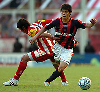 Fotball<br /> Foto: Piko Press/Digitalsport<br /> NORWAY ONLY<br /> <br /> San Lorenzo (1) Vs San Martin de Tucuman (0) in the Argentine First Division derby soccer match in Buenos Aires, Argentina. October 18, 2008<br /> Here San Lorenzo player PABLO BARRIENTOS