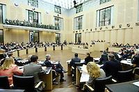 23 SEP 2005, BERLIN/GERMANY:<br /> Uebersicht Plenarsaal waehrend einer Sitzung des Bundesrates, Plenum, Bundesrat<br /> IMAGE: 20050923-01-016<br /> KEYWORDS: Übersicht, Saal
