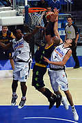 DESCRIZIONE : Bologna Lega A1 2008-09 Gmac Fortitudo Bologna Premiata Montegranaro<br /> GIOCATORE : Jamont Gordon Brandon Hunter Alessandro Cittadini<br /> SQUADRA : Gmac Fortitudo Bologna Premiata Montegranaro<br /> EVENTO : Campionato Lega A1 2008-2009 <br /> GARA : Gmac Fortitudo Bologna Premiata Montegranaro<br /> DATA : 08/02/2009 <br /> CATEGORIA : tiro rimbalzo stoppata<br /> SPORT : Pallacanestro <br /> AUTORE : Agenzia Ciamillo-Castoria/M.Minarelli<br /> Galleria : Lega Basket A1 2008-2009 <br /> Fotonotizia : Bologna Campionato Italiano Lega A1 2008-2009 Gmac Fortitudo Bologna Premiata Montegranaro<br /> Predefinita :