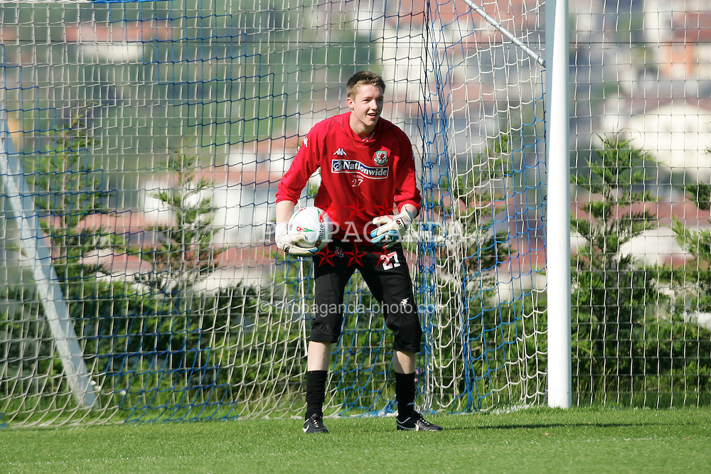SAN SEBASTIAN, SPAIN - THURSDAY, MAY 19th, 2005: Wales' goalkeeper Wayne Hennessey during a squad training 'get-together' in San Sebastian, Spain. (Pic by David Rawcliffe/Propaganda)