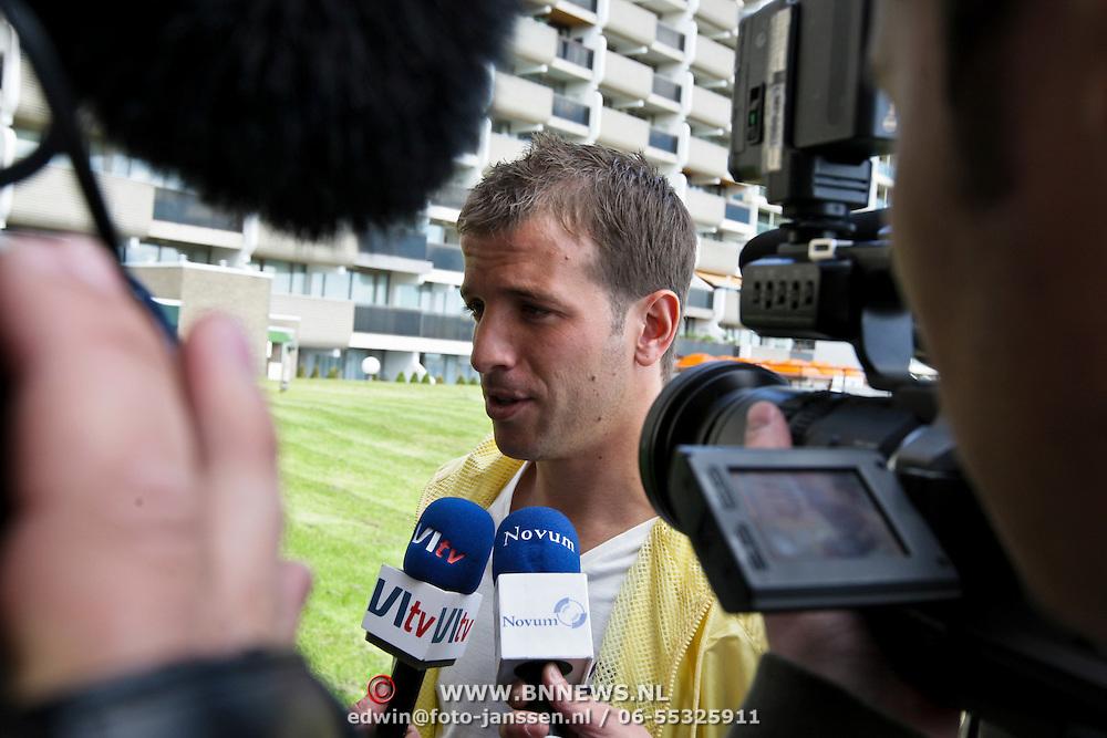 NLD/Noordwijk/20080520 - Voetballers melden zich voor trainingskamp Nederlands Elftal, Rafael van der Vaart
