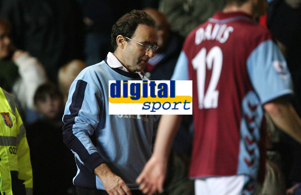 Photo: Rich Eaton.<br /> <br /> Aston Villa v Manchester City. The Barclays Premiership. 29/11/2006. Martin O'Neill manager of Aston Villa leaves the field after seeing his team lose 3-1 at home