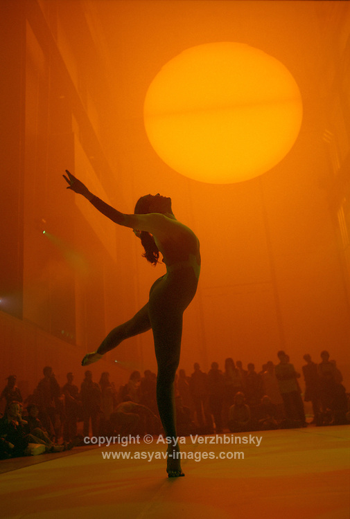 "Merce Cunningham Dance Company peforming under Olafur Eliasson's sun, entitled ""The Weather Project"" in Tate Modern's Turbine Hall. Olafur was the 4th artist commissioned by Tate Modern as a part of its Unilever Series featuring a different artist every year for the first 5 years since the opening of the gallery."