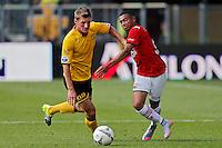 ALKMAAR - 30-08-2015, AZ - Roda JC, AFAS Stadion, 0-1, Roda JC speler Jens van Son (l), AZ speler Dabney dos Santos Souza (r).