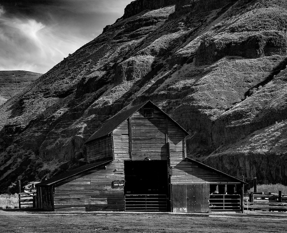Barn at Cottonwood Canyon State Park on the John Day River, a recently opened State Park.