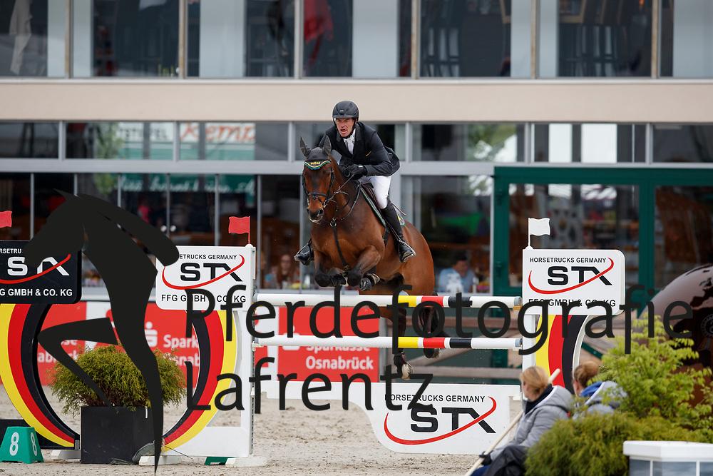 RÜDER Hans-Thorben (GER), Compagnon<br /> Hagen - Horses and Dreams meets the Royal Kingdom of Jordan 2018<br /> Finale Mittlere Tour<br /> 29. April 2018<br /> www.sportfotos-lafrentz.de/Stefan Lafrentz