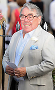 27.JULY.2009. LONDON<br /> <br /> RONNIE CORBETT ATTENDS DAVID FROST'S ANNUAL SUMMER GARDEN PARTY AT HIS HOUSE IN CHELSEA.<br /> <br /> BYLINE: EDBIMAGEARCHIVE.COM<br /> <br /> *THIS IMAGE IS STRICTLY FOR UK NEWSPAPERS AND MAGAZINES ONLY*<br /> *FOR WORLD WIDE SALES AND WEB USE PLEASE CONTACT EDBIMAGEARCHIVE - 0208 954 5968*