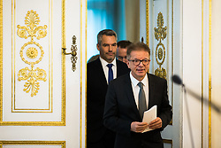 15.01.2020, Bundeskanzleramt, Wien, AUT, Bundesregierung, Pressefoyer nach Sitzung des Ministerrats, im Bild v. l. Karl Nehammer (OeVP), Rudolf Anschober (Gruene)// during media briefing after cabinet meeting at the federal chancellery in Vienna, Austria on 2020/01/15. EXPA Pictures © 2020, PhotoCredit: EXPA/ Florian Schroetter
