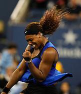 US Open 2011, USTA Billie Jean King National Tennis Center, Flushing Meadows, New York,ITF Grand Slam Tennis Tournament,Serena Williams(USA) jubelt nach ihrem Sieg,Jubel,Emotion,.Einzelbild,Halbkoerper,Hochformat