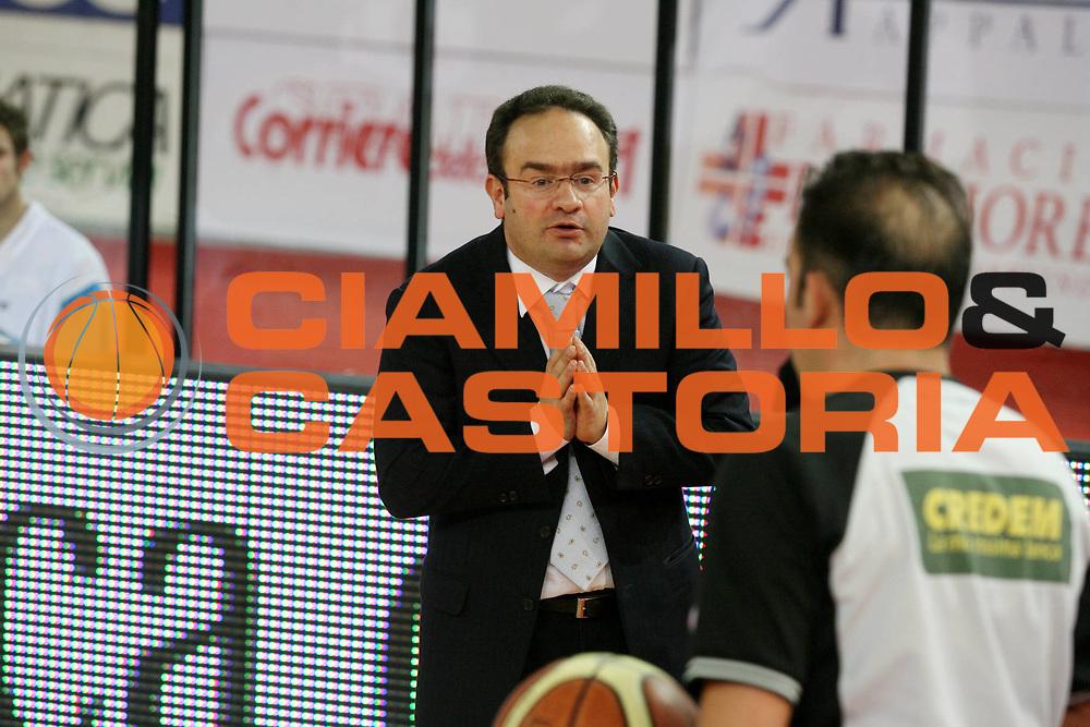 DESCRIZIONE : Roma Lega A1 2006-07 Lottomatica Virtus Roma Tisettanta Cant&ugrave; <br /> GIOCATORE : Sacripanti <br /> SQUADRA : Tisettanta Cant&ugrave; <br /> EVENTO : Campionato Lega A1 2006-2007 <br /> GARA : Lottomatica Virtus Roma Tisettanta Cant&ugrave; <br /> DATA : 17/12/2006 <br /> CATEGORIA : Delusione <br /> SPORT : Pallacanestro <br /> AUTORE : Agenzia Ciamillo-Castoria/G.Ciamillo