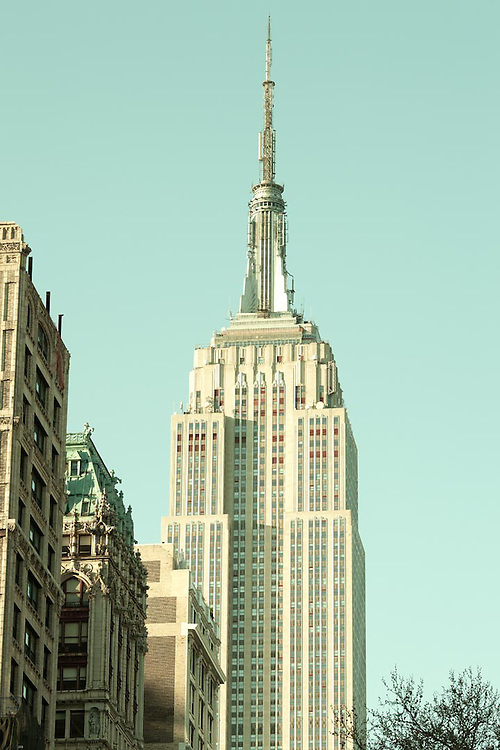 Empire State Building through Fifth Avenue, Manhattan, New York City, NY, USA