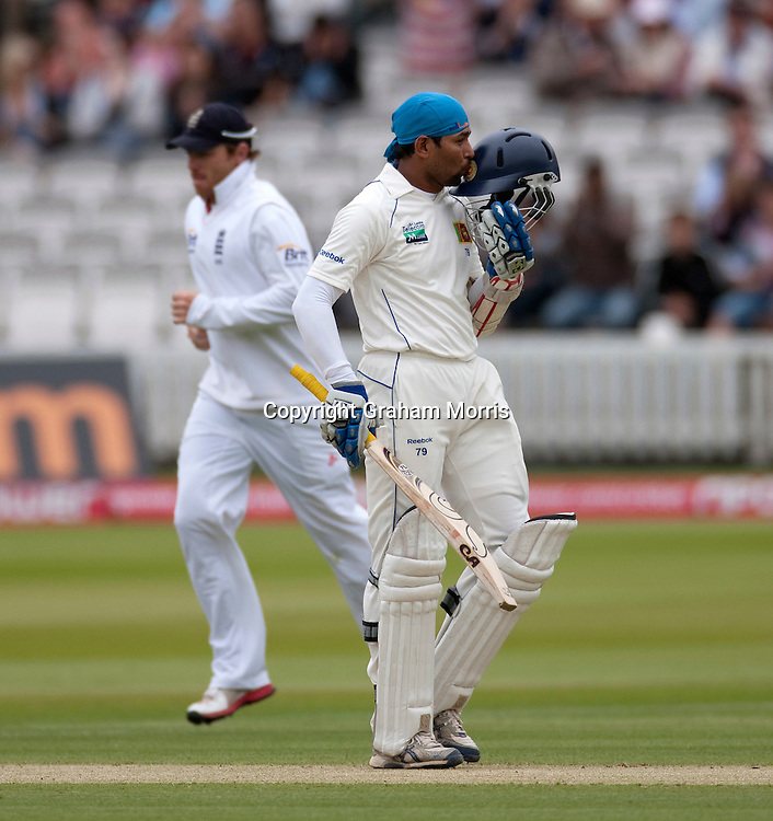 Tillakaratne Dilshan celebrates his 150 during the second npower Test Match between England and Sri Lanka at Lord's.  Photo: Graham Morris (Tel: +44(0)20 8969 4192 Email: sales@cricketpix.com) 05/06/11