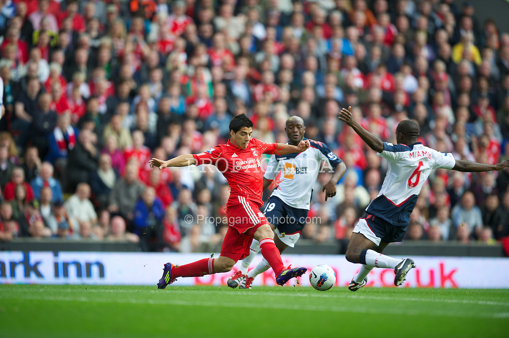 LIVERPOOL, ENGLAND - Saturday, August 27, 2011: Liverpool's Luis Alberto Suarez Diaz in action against Bolton Wanderers during the Premiership match at Anfield. (Pic by David Rawcliffe/Propaganda)
