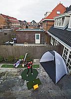 Berkel en Rodenrijs -Drivingrange-mat, Slag-mat, Putt-mat en een Slagkooi in de tuin voor Lotte Hoekstra. COPYRIGHT KOEN SUYK