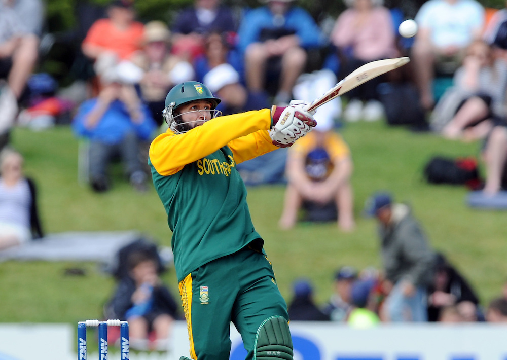 South Africa's Hashim Amla opens the batting against New Zealand in the 2nd ODI International cricket match at Blake Park, Mt Maunganui, New Zealand, Friday, October 24, 2014. Credit:SNPA / Ross Setford
