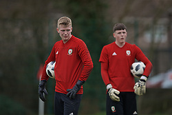 NEWPORT, WALES - Thursday, March 21, 2019: Wales' goalkeeper Niall Clayton (L) and goalkeeper Rhys Davies during an Under-21 training session at Dragon Park. (Pic by David Rawcliffe/Propaganda)