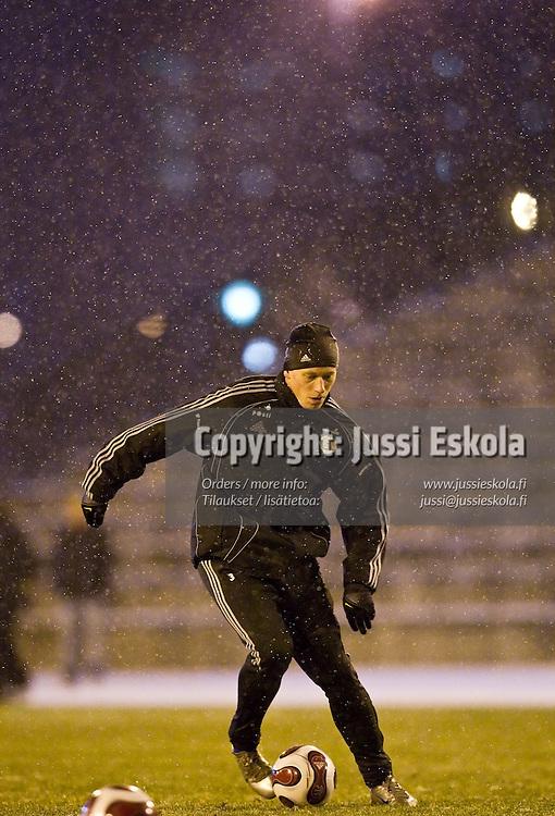Mikael Forssell. A-maajoukkueen harjoitukset 13.11.2007. Photo: Jussi Eskola