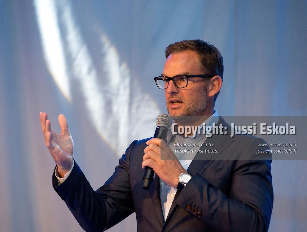Ronald de Boer. Respect-gaala. Sankarit smokeissa. Finlandia-Talo, Helsinki, 8.9.2012. Photo: Jussi Eskola