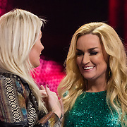 NLD/Hilversum/20180216 - Finale The voice of Holland 2018, Sanne Hans en Samantha Steenwijk