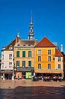 France, Bourgogne-Franche-Comté, Yonne (89), Sens, la place de la République // France, Burgundy, Yonne, Sens, Republique square