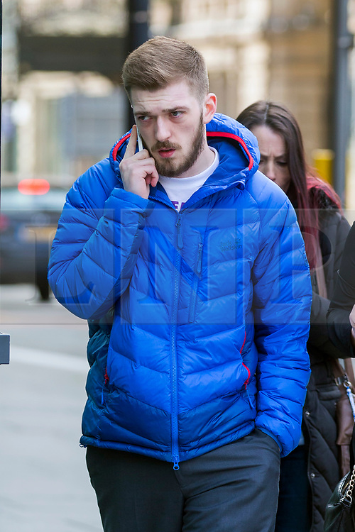 "© Licensed to London News Pictures. 07/02/2018. Liverpool, UK. Tom Evans, father of Alfie Evans with supporters at Liverpool Civil & Family Court today. Tom Evans and Kate James from Liverpool are in dispute with medics looking after their son 19-month-old son Alfie Evans, at Alder Hey Children's Hospital in Liverpool. Alfie is in a ""semi-vegetative state"" and had a degenerative neurological condition doctors have not definitively diagnosed. Specialists at Alder Hey say continuing life-support treatment is not in Alfie's best interests but the boy's parents want permission to fly their son to a hospital in Rome for possible diagnosis and treatment. Photo credit: Andrew McCaren/LNP"