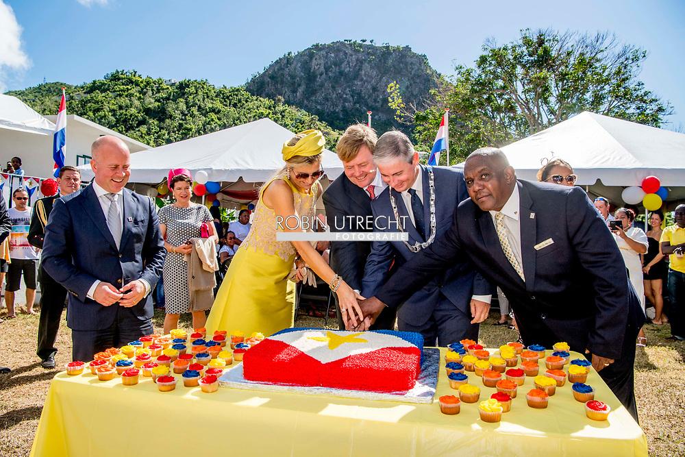 THE BOTTOM - Koning Willem-Alexander en koningin Maxima vieren in de tuin van gezaghebber Jonathan Johnson Saba Day, de nationale feestdag van het eiland. ANP ROBIN UTRECHT **NETHERLANDS ONLY**