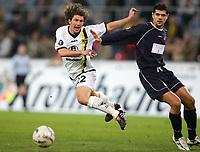 Fotball , 21. oktober 2004, UEFA-Cup Alemannia Aachen - OSC Lille, <br /> v.l. Kai MICHALKE Aachen, Efstathios TAVLARIDIS
