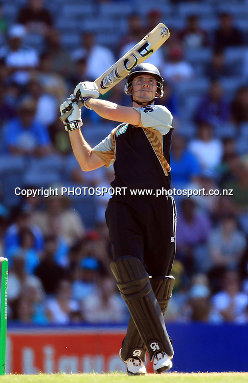 New Zealand all rounder and batsman James Franklin. Twenty20 International Cricket match between The New Zealand Black Caps and Pakistan at Eden Park on Boxing Day, Sunday 26 December 2010. Photo: Andrew Cornaga/photosport.co.nz