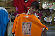 Mongolia. Gengismania. the portrait of Genghis khan are on every good and  product,  Ulan Baatar -   / Gengismania. les portraits de Gengis Khan ornent tous les produits,   Oulan Bator - Mongolie  / L0055892