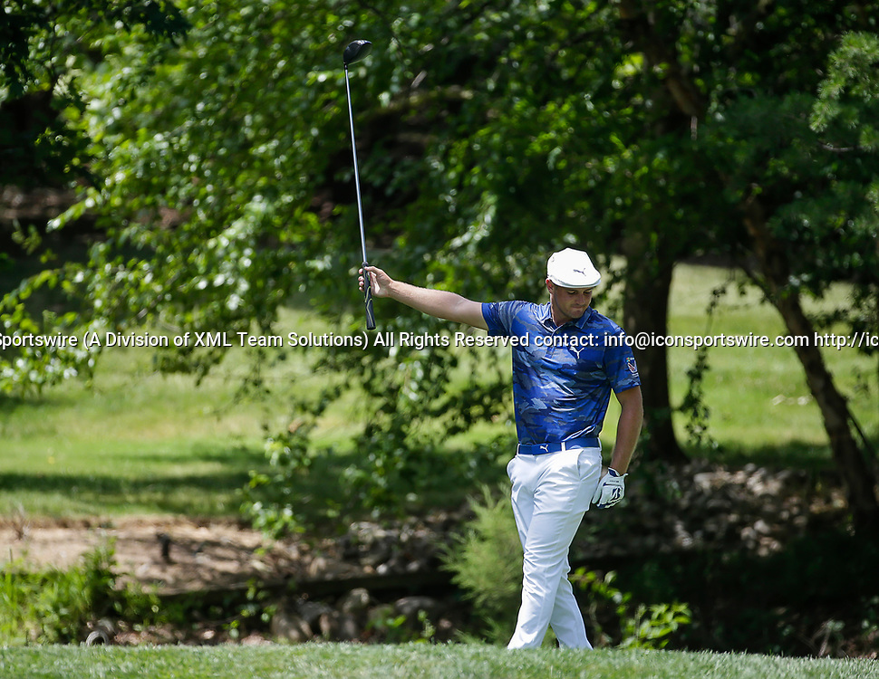 POTOMAC, MD - JULY 01:  Bryson DeChambeau signals that his shot went right off of the 7th tee box during the third round of the Quicken Loans National at TPC Potomac at Avenel Farm in Potomac, MD.(Photo by Justin Cooper/Icon Sportswire)