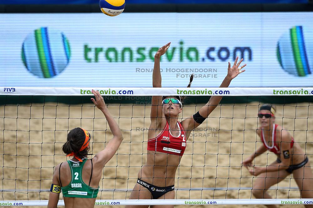 20-07-2014 NED: FIVB Grand Slam Beach Volleybal, Scheveningen<br /> Gold medal match / Taiana Lima (2) BRA, Ilka Semmler (2) GER