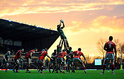 Jamie Gibson of Leicester Tigers rises high to win lineout ball - Photo mandatory by-line: Patrick Khachfe/JMP - Mobile: 07966 386802 23/11/2014 - SPORT - RUGBY UNION - Oxford - Kassam Stadium - London Welsh v Leicester Tigers - Aviva Premiership